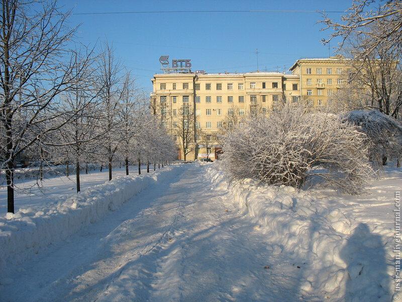 Сквер между улицами Типанова и Авиационной