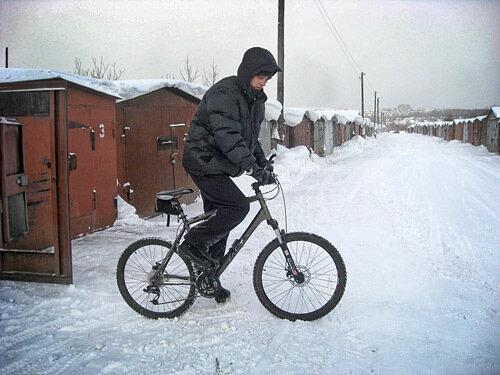 зимнее катиание на велосипеде