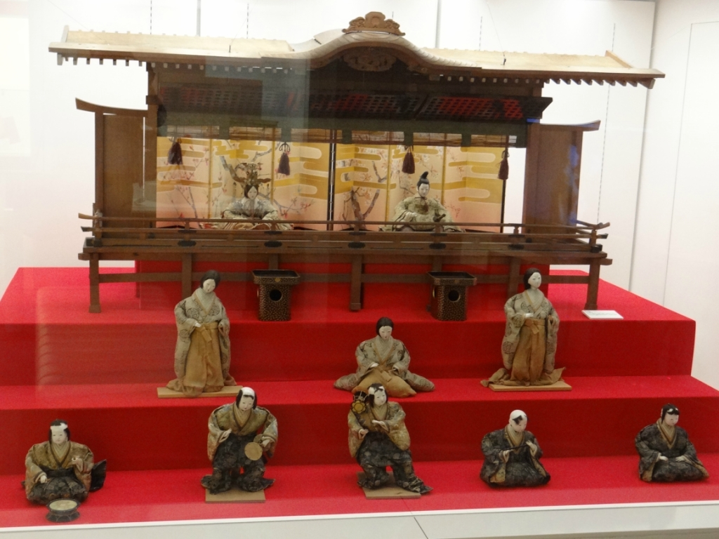 Япония. Музей кукол в Йокогаме /Japan.Yokohama Doll Museum