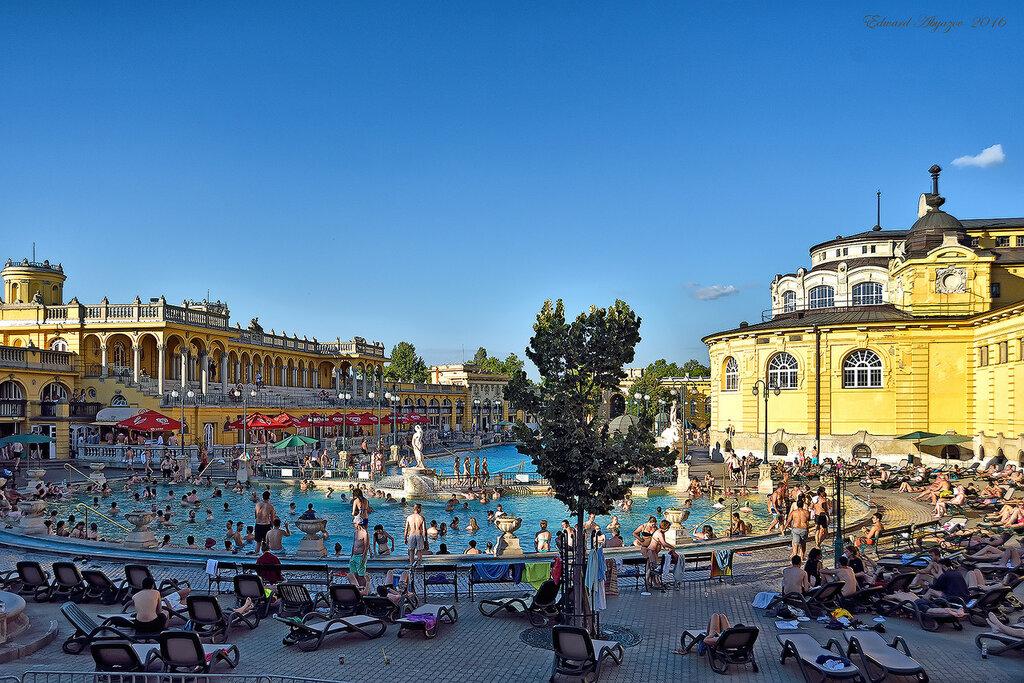 Купальни в центре Будапешта.