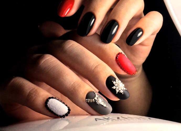 Мастер-класс по наращиванию ногтей «Драгоценность» (3 фото)