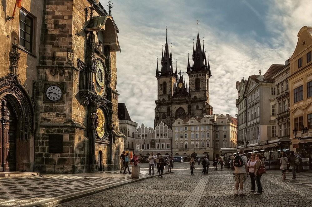 62. Любуетесь ли вы современным Танцующим домом или средневековым Пражским Градом, здесь вы почувств