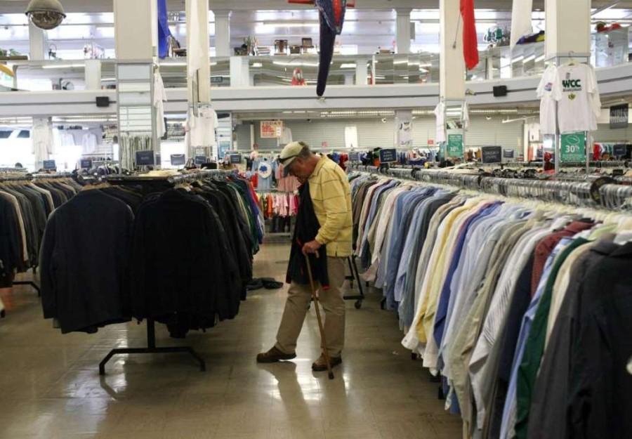 8. Лучше всего приобретать одежду в секонд-хэндах, что позволит значительно сэкономить.