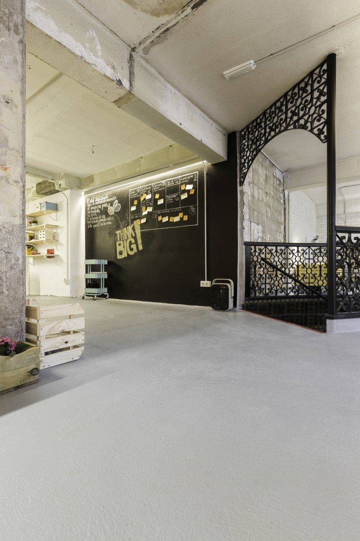 Iconoweb Offices by Nan Arquitectos