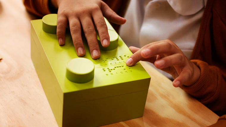 Braille Bricks - Some clever LEGO to help blind children learning Braille