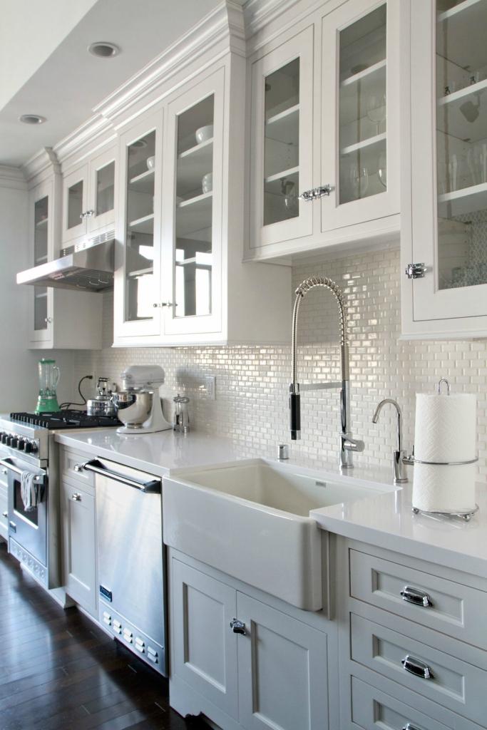 kitchen backsplash images white cabinets