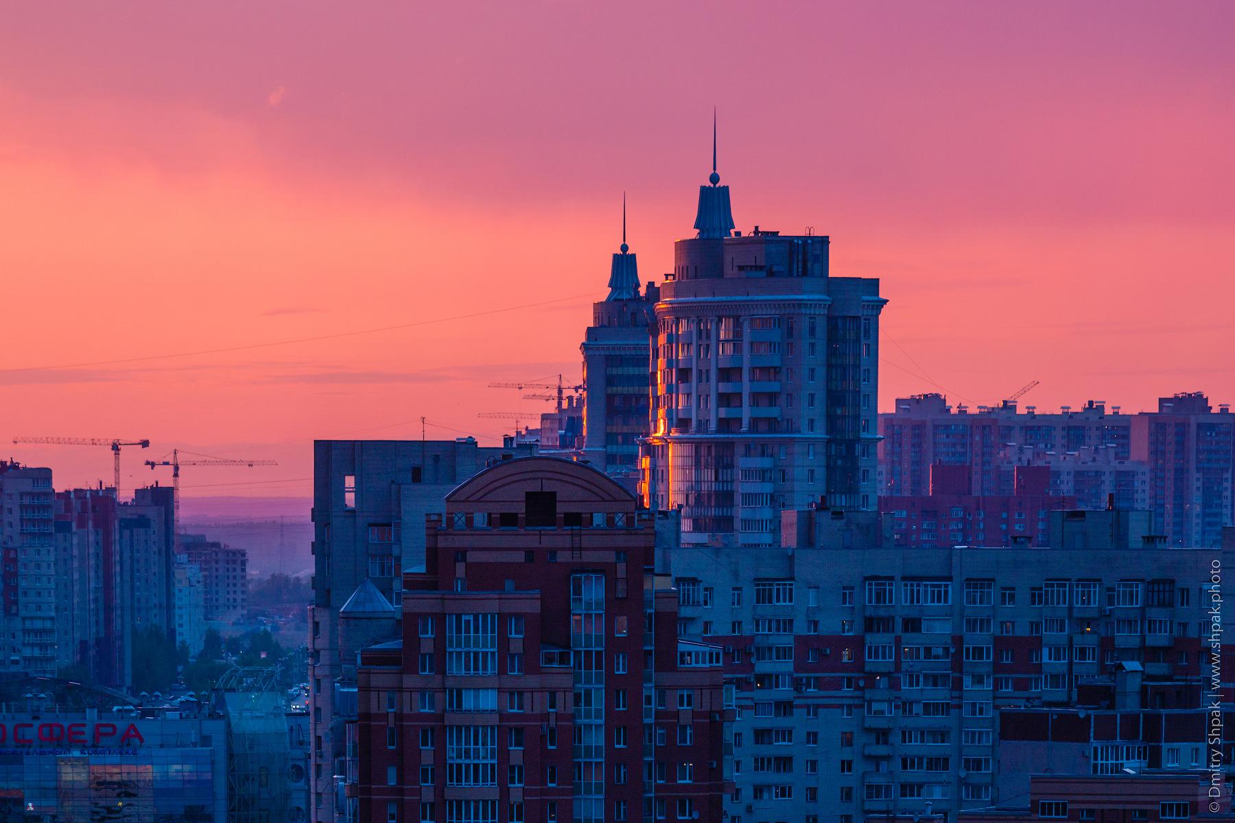 Закатное небо над Комендантским проспектом