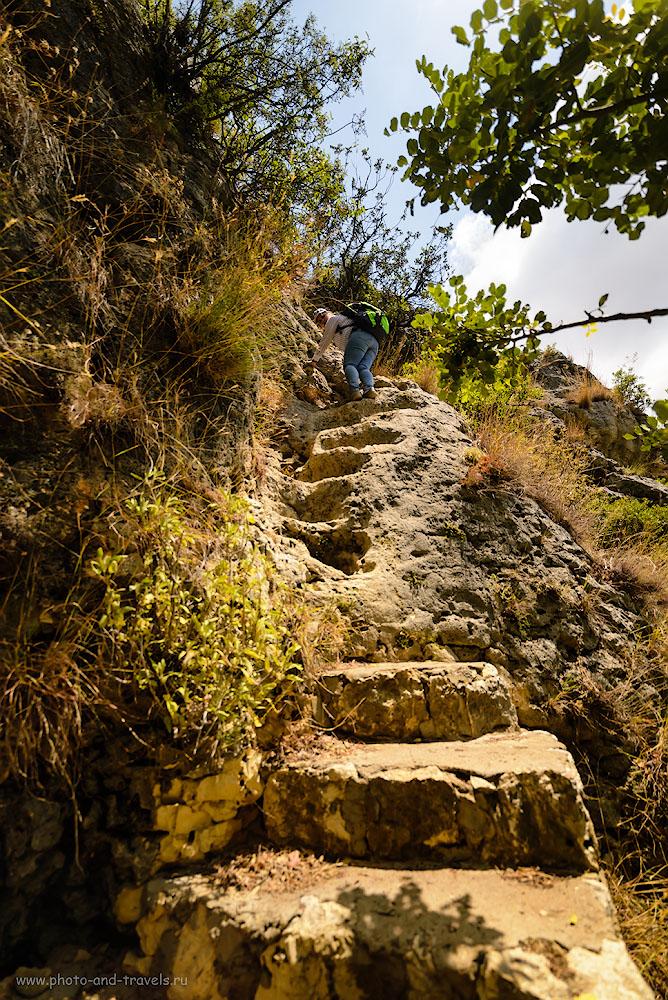 Фотография 12. Если вы приедете в Адам Каялар в дождливое время, будьте предельно осторожны, чтобы не скатиться с этих скользких ступеней кубарем. Туристы в Турции. Отзывы. 1/1250, -1.33, 2.8, 50, 14.
