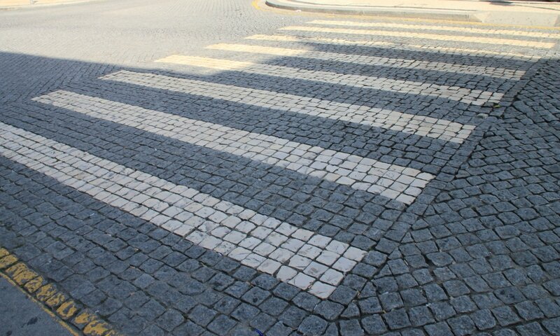Тротуар в Порту, Португалия (Sidewalk in Porto, Portugal)