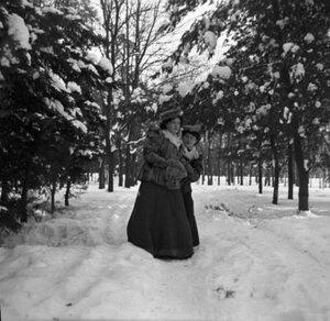 1910. В зимнем парке