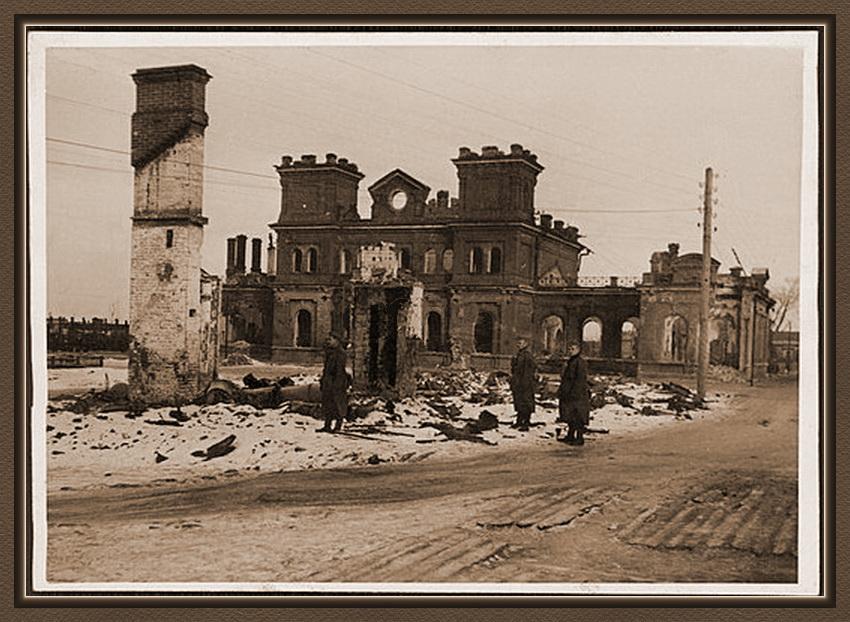 01-7 Старая Русса железнодорожный вокзал.jpg