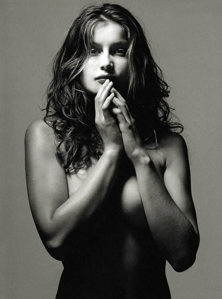 работа фотографа Альберта Уотсона / Laetitia Casta - photo by Albert Watson