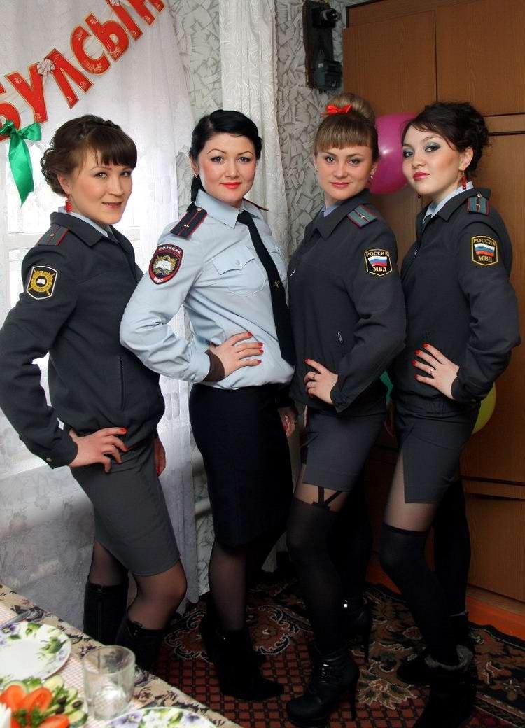 Моя милиция меня бережет: Лица девушек из российской полиции (31)