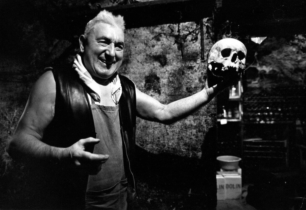 1979. Жан Сеттюр в своем подвале в Ле-Аль