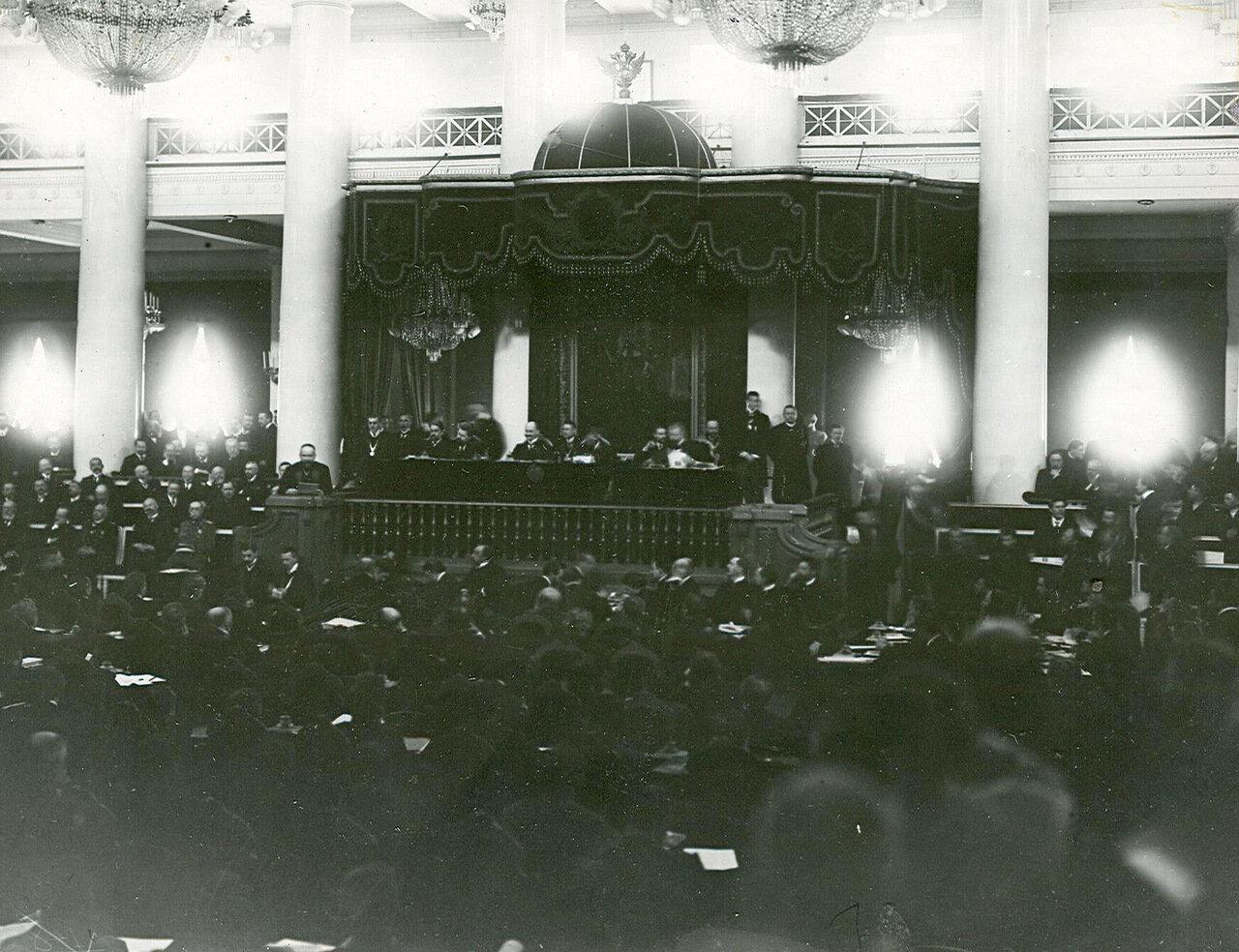 17.  Совместное заседание Государственного Совета и Второй Государственной Думы в зале Дворянского собрания