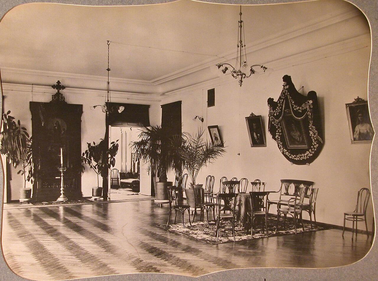 05. Вид части одного из залов общины