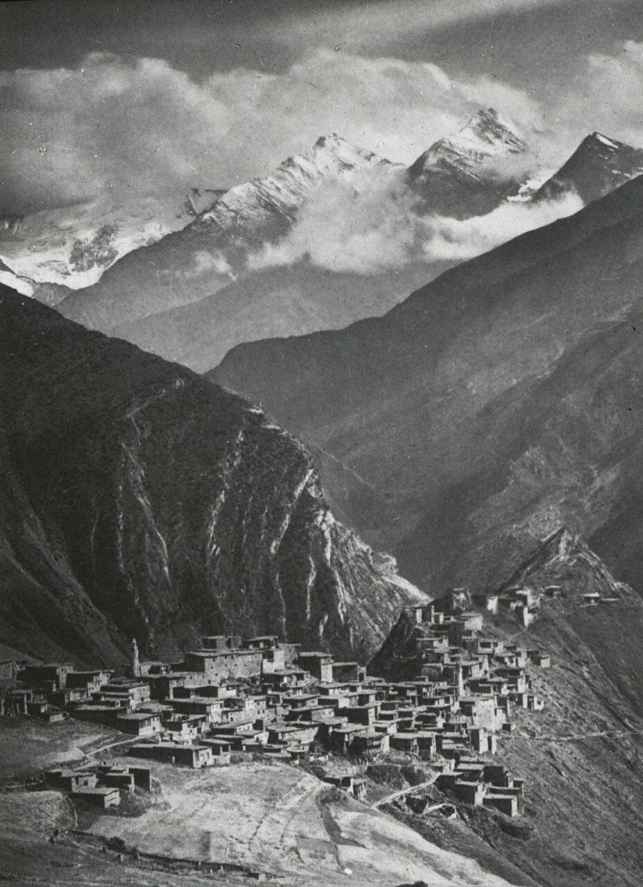 Вид на дагестанское село Тинди