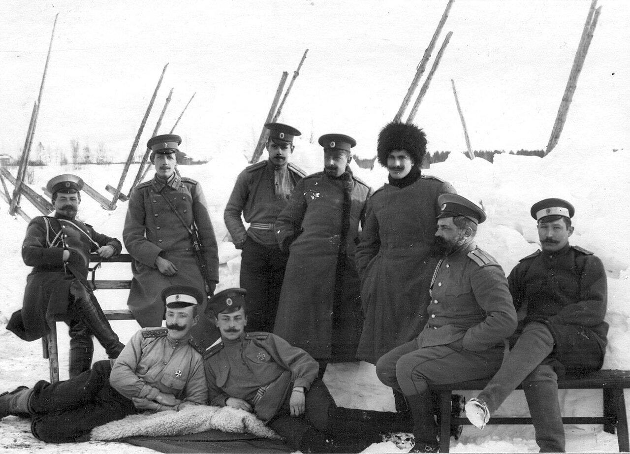 28. Группа гвардейских офицеров, проходящих практику в бригаде пограничной стражи. 1908