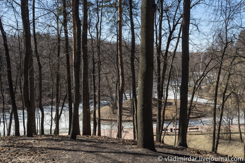 Вид на Верхний Царицынский пруд с селища Царицыно-1