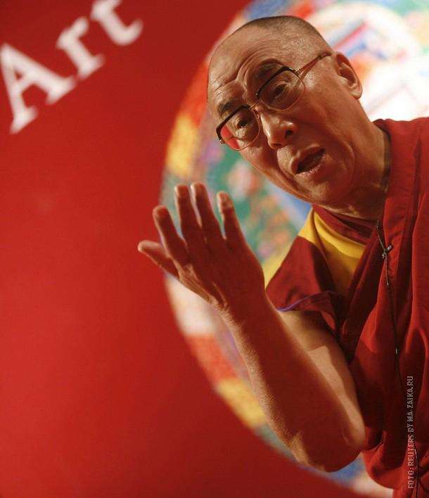 """Лекция """"Искусство счастья"""" была прочитана изгнанным тибетским духовным лидером Далай-лама в Калькутте, 10 января 2010 года."""