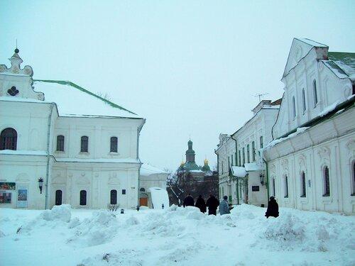 Верхняя территория Печерской лавры зимой