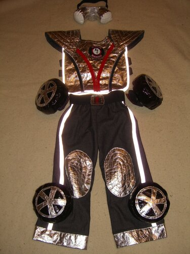 Новогодний костюм для мальчика своими руками трансформер