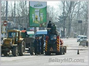 Качество дорог после зимы в Бельцах — удручающее