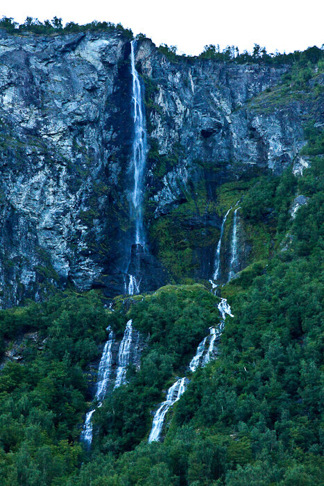 Фотографии водопада Фата невесты в Норвегии
