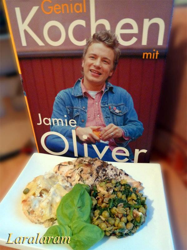 Картофельный гратен с курицей и овощами, приготовленный по рецепту Джейми Оливер