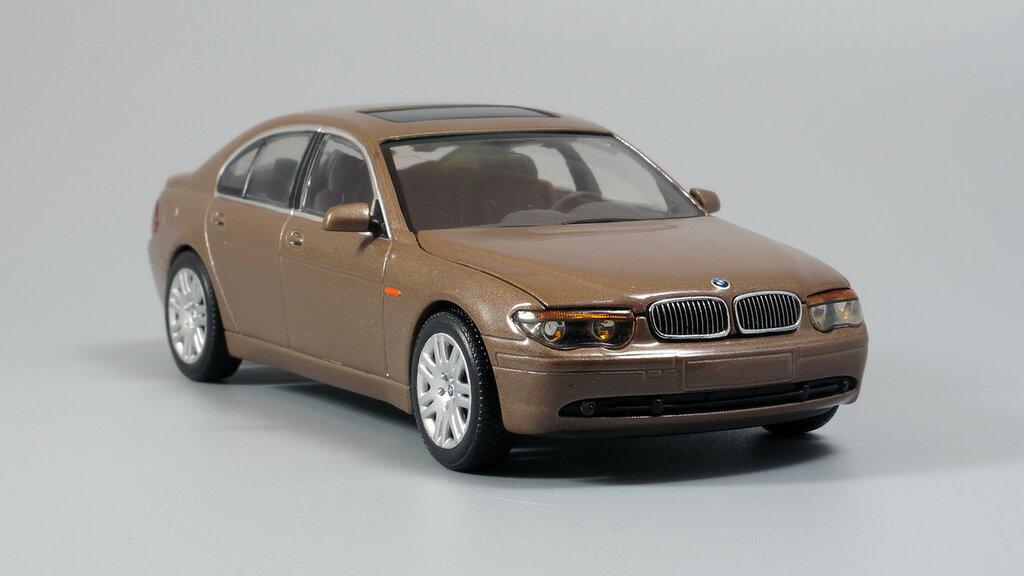 BMW_7er_E65_06.jpg