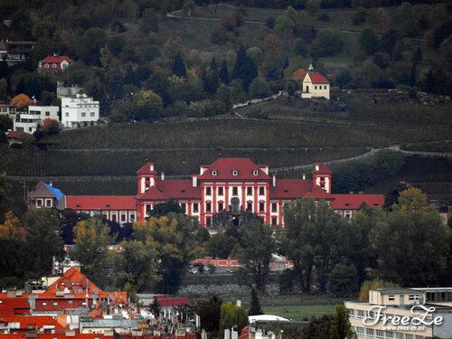 Вид с Петршина, Тройский замок