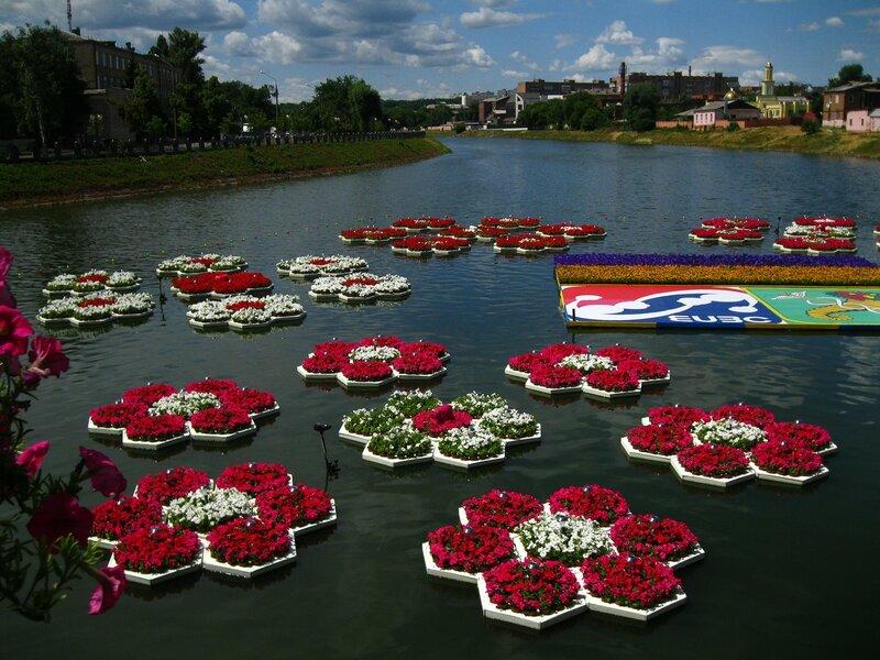 Цветочное шоу на воде