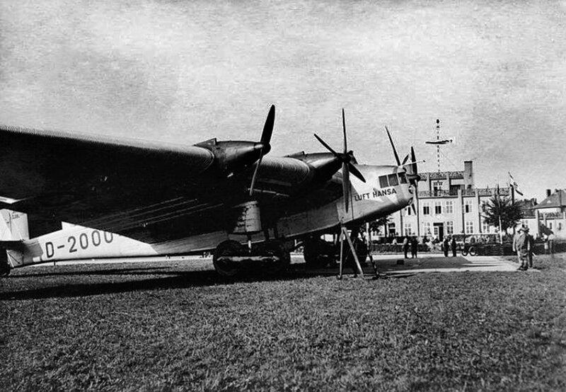 Самолёт Junkers G.38 компании Люфт Ганза в аэропорту Девау.