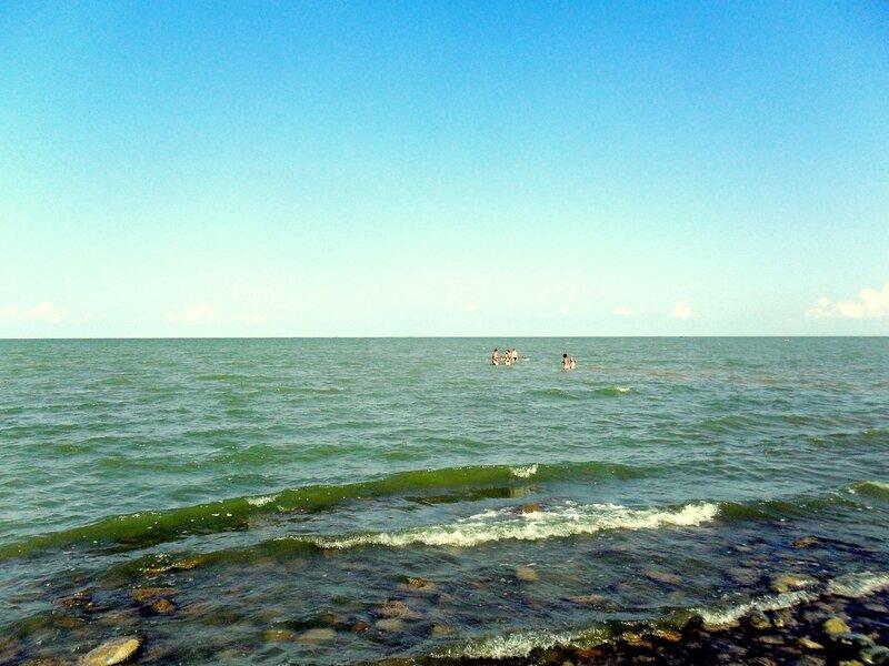 На пляже, август