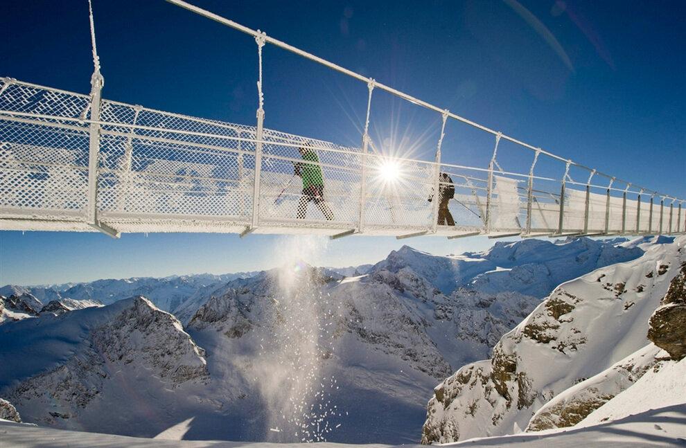 Самым высокий висячий мост в Европе