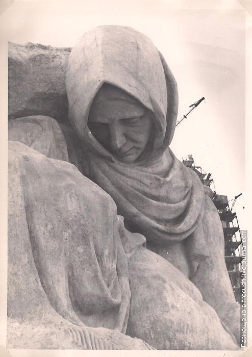 фотография 1965 года Памятник Скорбь на Мамаевом кургане