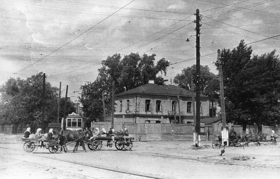 1946.06. трамвайный парк имени Шевченко, вид с улицы Боженко