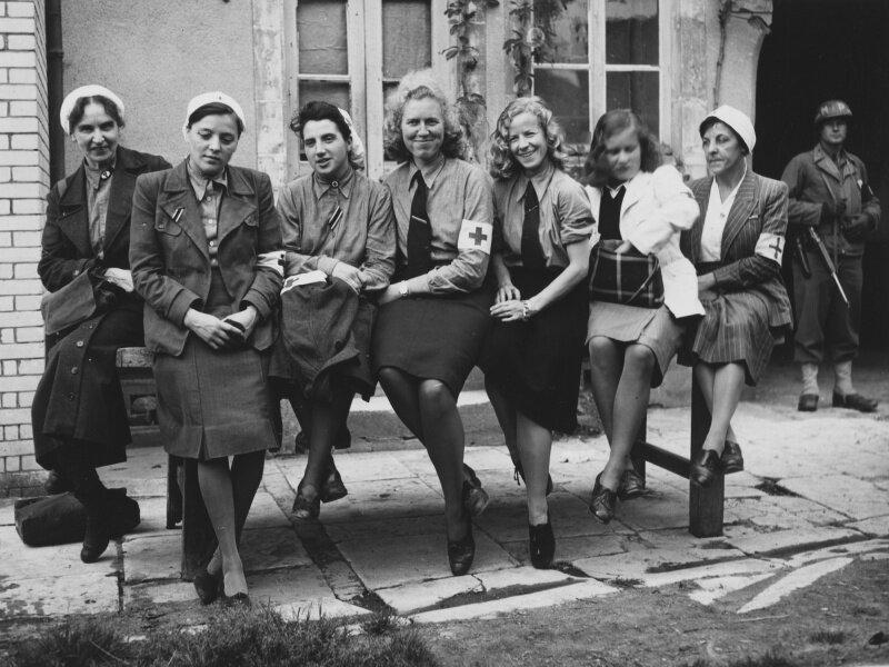 Пленные немецкие медсестры. Франция, Шербур, июнь 1944