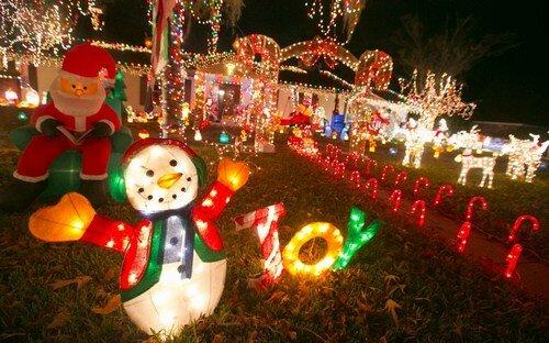 Дома к рождеству - феерия музыки и огней
