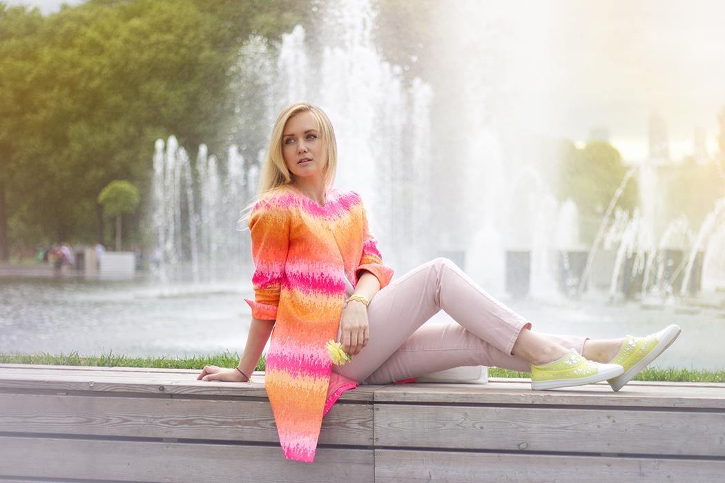 inspiration, streetstyle, spring outfit, moscow fashion week, annamidday, top fashion blogger, top russian fashion blogger, фэшн блогер, русский блогер, известный блогер, топовый блогер, russian bloger, top russian blogger, streetfashion, russian fashion blogger, blogger, fashion, style, fashionista, модный блогер, российский блогер, ТОП блогер, ootd, lookoftheday, look, популярный блогер, российский модный блогер, russian girl, с чем носить яркое пальто, как одеться весной, модные аксессуары, marc cain, пастельная одежда, с чем носить пастельную одежду, как сочетать пастельные цвета, pastel colors, pastel colors combination, gorky park, розарий парка горького, парк горького, цветовые сочетания, как определить свой цветотип, alberto guardiani, streetstyle, sunset photo, красивая девушка, девушка и закат, вино из одуванчиков, flowers and girl, stefanel bag