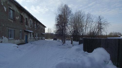 Фото города Инта №3760  Двор (северная сторона дома) Январской 15а 19.02.2013_12:53