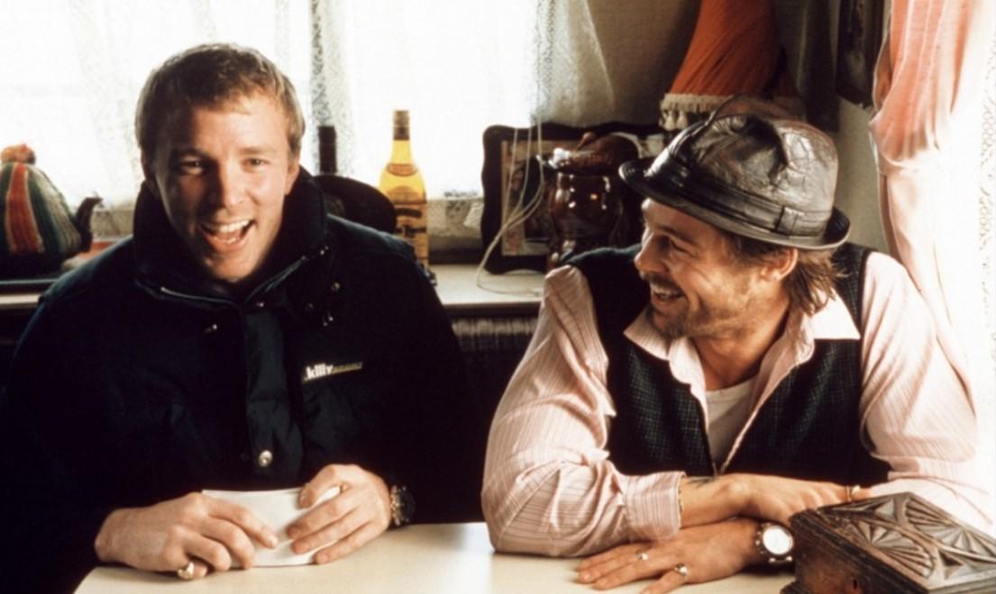 Режиссер Гай Ричи и Брэд Питт на съемках картины «Большой куш», 1999 год