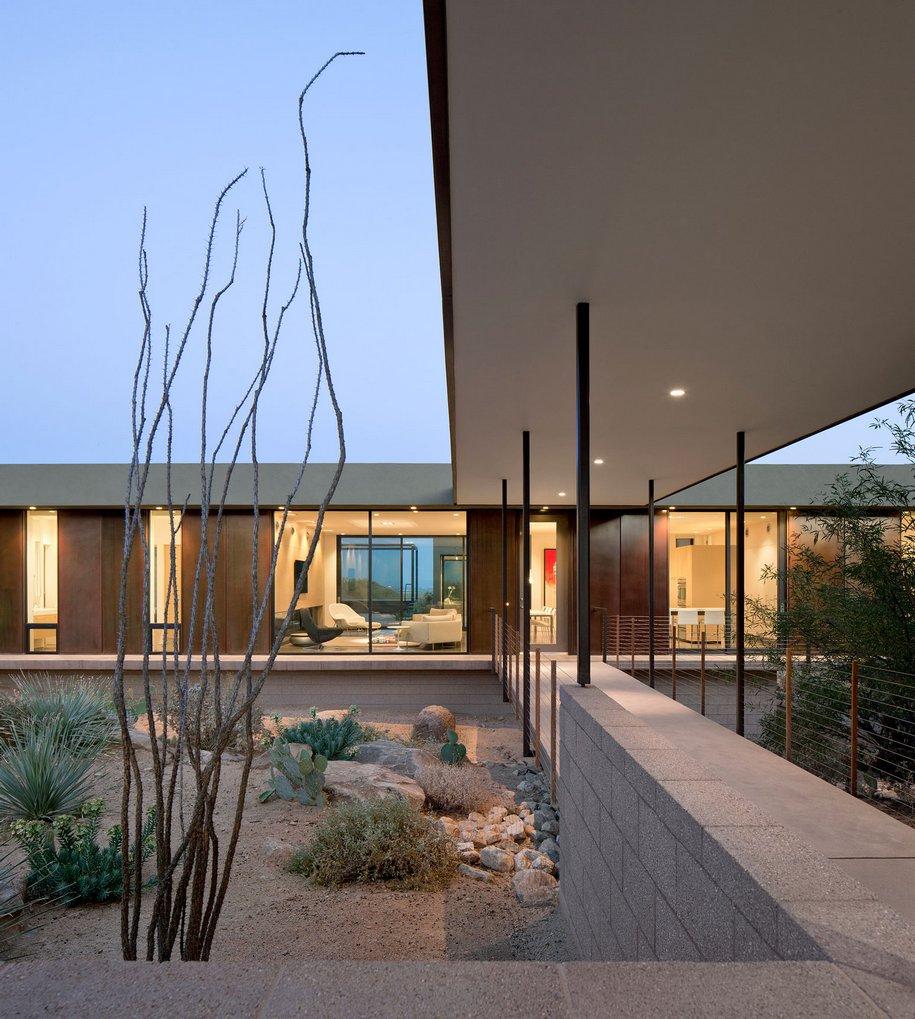 Современная резиденция в пустыне Аризоны