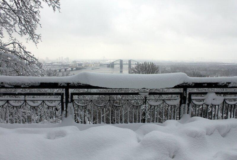 Зимний вид с площадки обозрения Владимирской горки