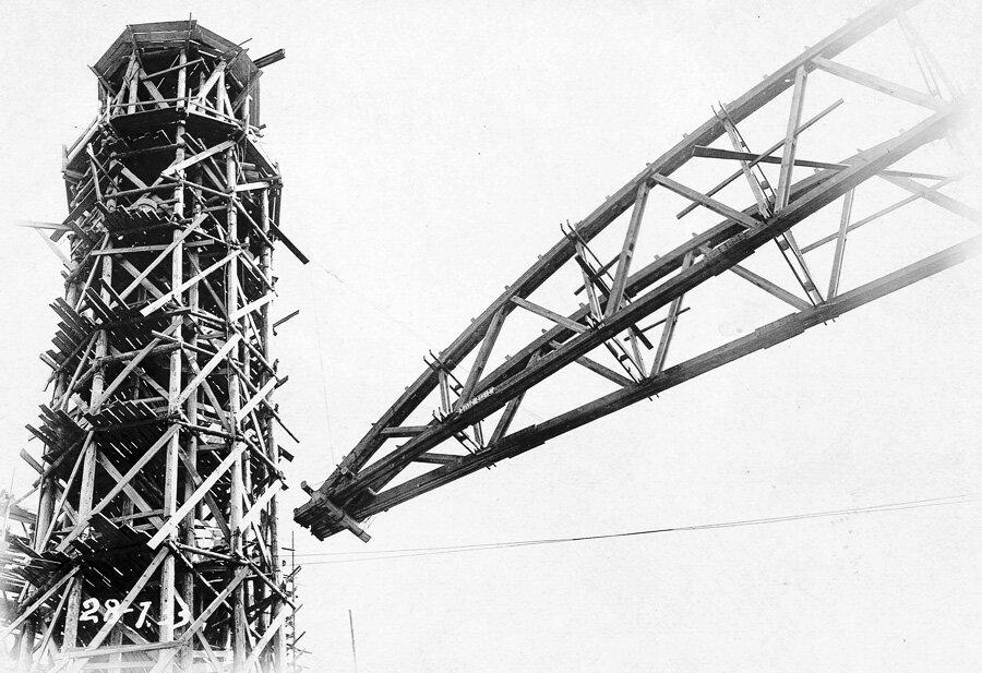 28 июля 1933 года. Временная установка ферм опалубки купола
