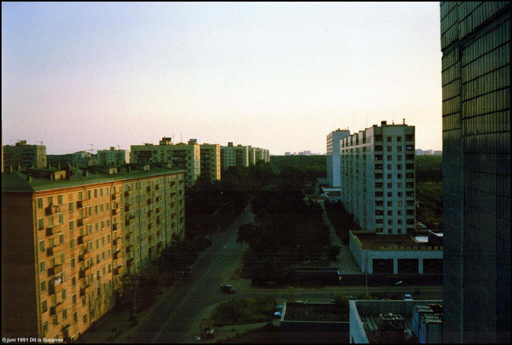 Вид из нашей гостиницы. 30-06-1991