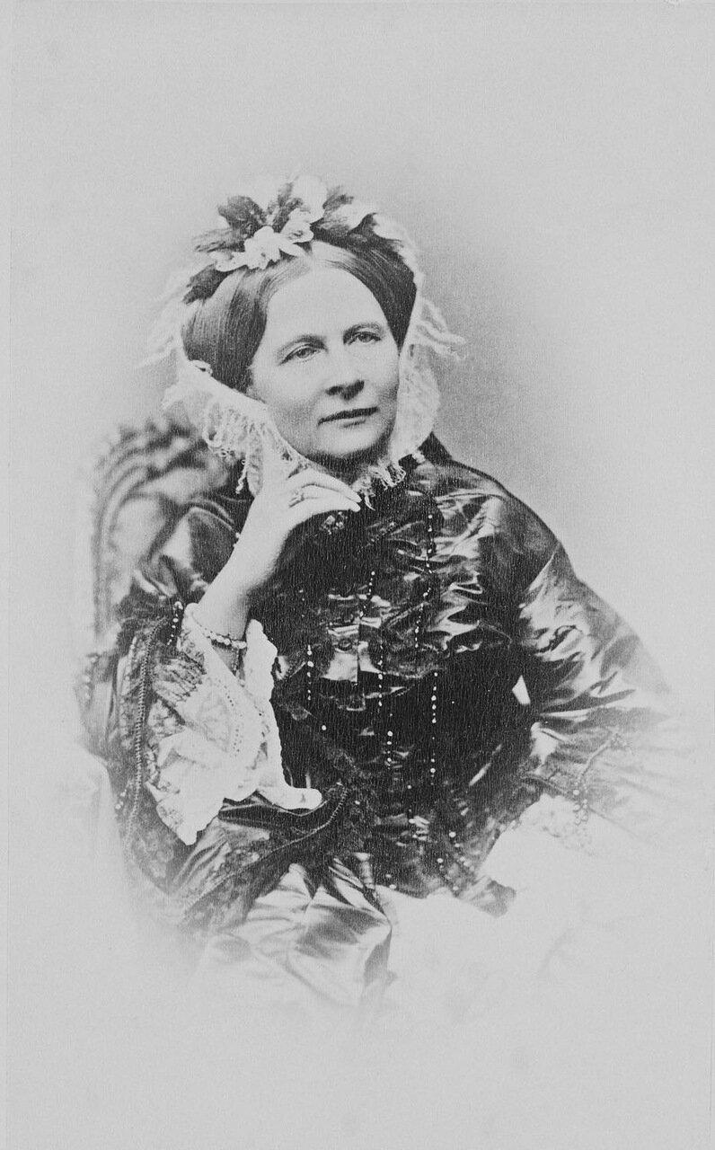 Елена Павловна, до принятия православия принцесса Фредерика Шарлотта Мария Вюртембергская, супруга великого князя Михаила Павловича.1872