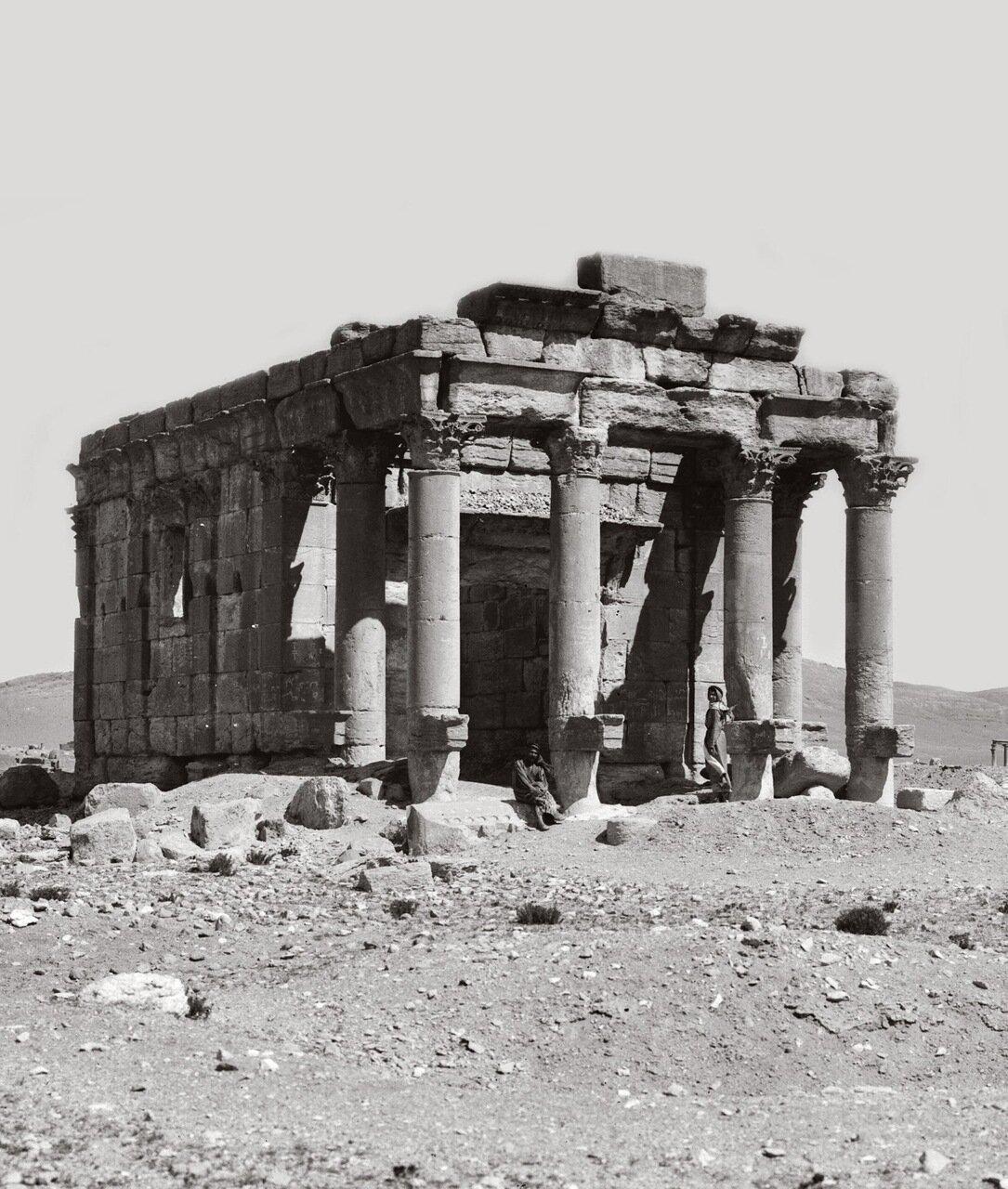 Хорошо сохранившийся храм матери царя. Пальмира. Тадмор, Сирия. 1900-1920 гг.