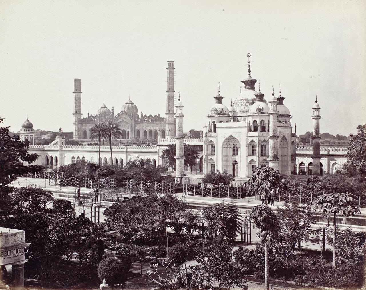 Усыпальница Зинат Алжия в районе Хусейнабада в комплексе Имамбара. 1864 г.