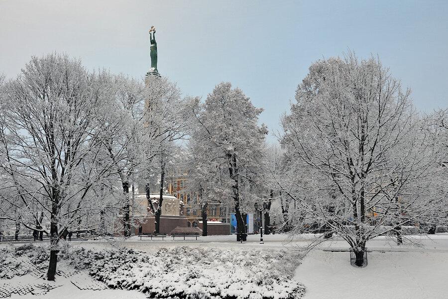 http://img-fotki.yandex.ru/get/4117/118405408.11a/0_90478_8423a8f4_XXL.jpg